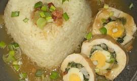 Kuřecí kopřivové závitky s parmazánem a křepelčími vejci