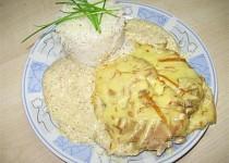 Kotlet s kari, smetanou a uzeným sýrem