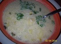 Celerová polévka se zakysanou smetanou