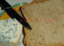 Třízrnný chleba s pšeničnými klíčky