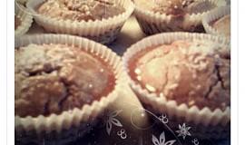Celozrnné muffiny s medovou polevou