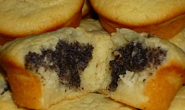 Vláčné jogurtové muffiny s náplní