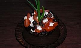 Cherry salát s balkánem