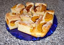 Ovocný koláč z tvarohového těsta