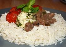 Rýžový věneček s masem, mozzarellou a cherry rajčátky