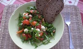 Dietní rucolový salát s mozzarellou