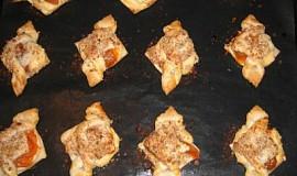 Mašle z listového těsta s tvarohem a meruňkami