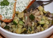 Teplý salát z hlívy s cuketou
