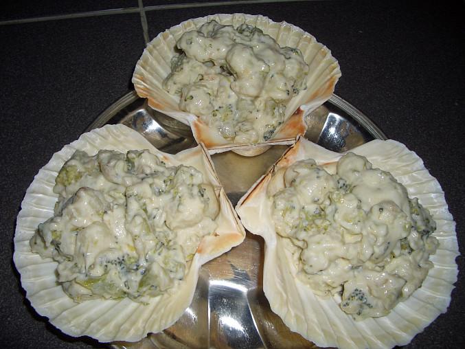 Gnocchetti se smetanovou omáčkou a brokolicí, připraveno do trouby