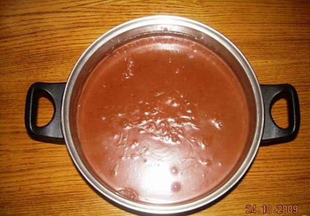 Čokoládová dobrota pro děti, hotová čokoládová dobrota před vložením do skleniček