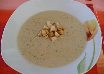 Kvasnicová polévka se zeleninou