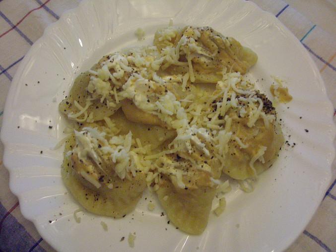 taštičky z bramborového těsta s vepřovým masem