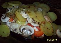Kuřecí nudličky v bramborách