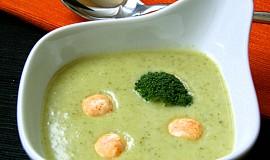 Jemný brokolicový krém s bryndzovými kuličkami