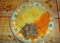 """Dušená mrkev s masem a bramborem """"pro nejmenší"""""""