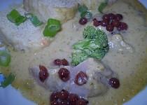 Krůtí maso v zeleninové omáčce s brokolicí