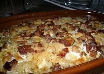 Zapečená kolínka s uzeninou a sýrem
