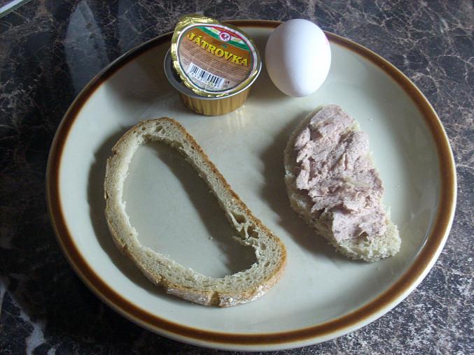 Vykrojený krajíc chleba