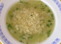 Zelná polévka s těstovinou