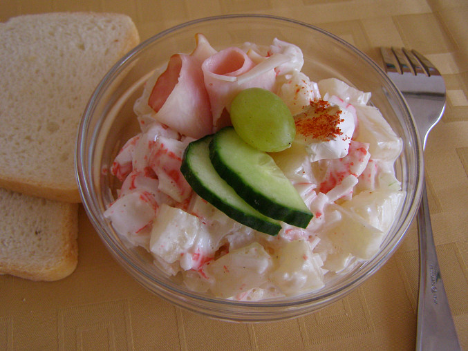 Krabí salát II., bez celeru, s cibulkou