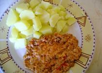 Mleté maso dušené s rajčatya vejci