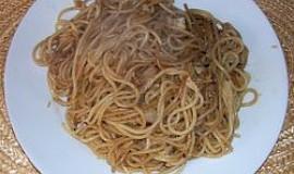 Špagety se sójovou omáčkou