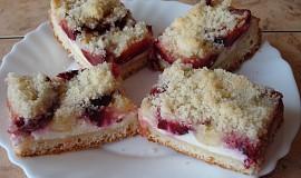 Švestkový koláč kynutý