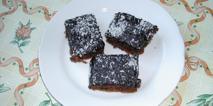 Čokoládové řezy s kokosem
