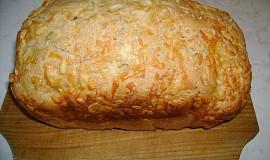 Sýrový chleba s kečupem