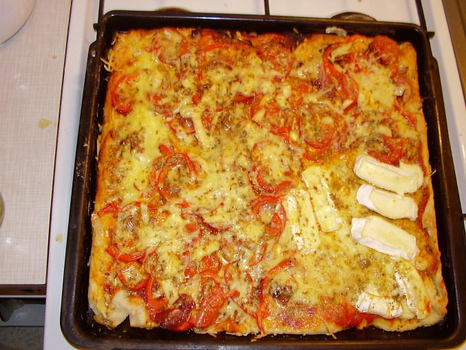 vegetarianska pizza po upeceni
