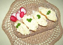 Krabí pomazánka s vejci a sýrem