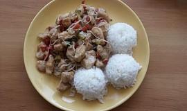 Čína s rýžovými nudličkami a rýží