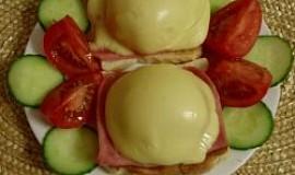 Toasty se šunkou, sýrem a ovocem
