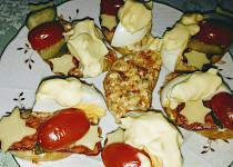 Hermelínová pomazánka s pikantním salámem