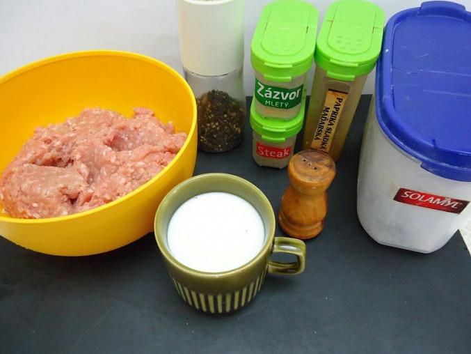 Kuřecí mini placičky s domácí tatarkou