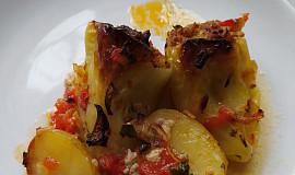 Pečené plněné papriky v rajčatech