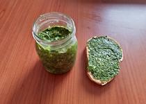 Špenátové pesto s bazalkou
