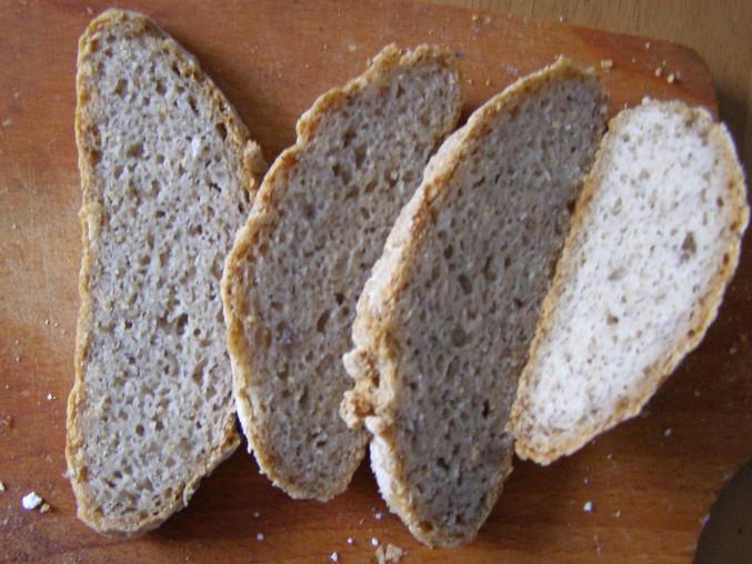 Bezlepkový kváskový chléb