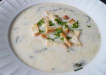 Kedlubnovo-bramborová rychlá polévka s mlékem
