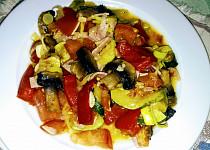 Pestrý zeleninový kotlík