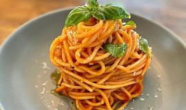 Špagety al pomodoro