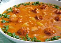 Frankfurtská polévka s fazolemi