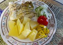 Candát na másle a bylinkové soli s kmínem