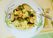 Květákovo-sýrová polévka s houbami