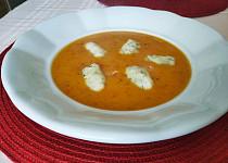 Papriková polévka se smetanou