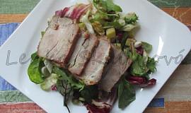 Studená pečená krkovička se salátem