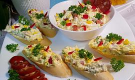 Čabajkovo-vaječná pomazánka s kapií