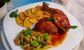 Bylinkové chilli kuře na slanině a česneku, s máslovou zeleninou a bramborovými dukátky