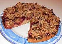Kynutý koláč se švestkami  (Dělená strava podle LK - kytičky + ovoce)