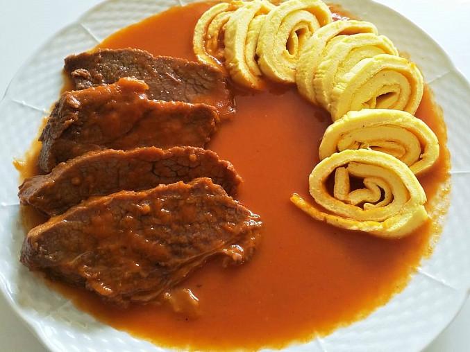Rajská omáčka s grusetkami  (Dělená strava podle LK - zvířata), rajská omáčka, hovězí maso, grusetky